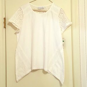 Kim Rogers white tee with knit accents